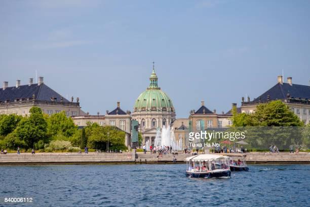 amalienborg palace and frederik's church, copenhagen - amalienborg palace stock pictures, royalty-free photos & images