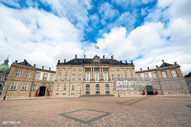 amalienborg palace facade, copenhagen, denmark - amalienborg palace stock pictures, royalty-free photos & images