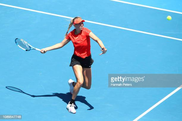 Amanda Anisimova of USA plays a forehand during her quarter final match against Viktoria Kuzmova of Slovakia at the ASB Classic on January 04 2019 in...