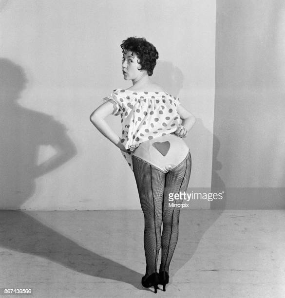 Amanda Barrie aged 20 appearing in 'Five Past Eight' at the King's Theatre Edinburgh 16th February 1956