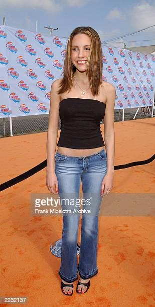 Amanda Bynes arrives at the 15th Annual Nickelodeon Kid's Choice Awards at The Barker Hanger in Santa Monica Ca 4/20/02 Photo by Frank...