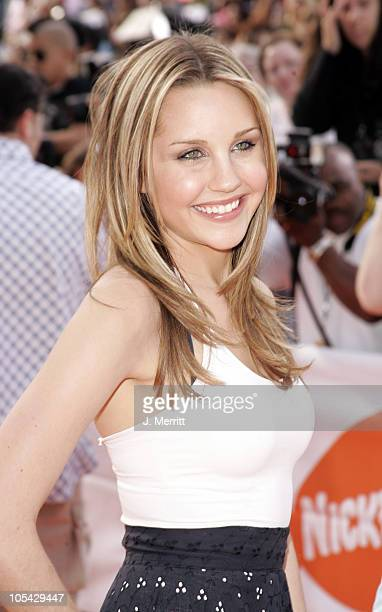 Amanda Bynes during Nickelodeon's 18th Annual Kids Choice Awards Arrivals at Pauley Pavilion in Los Angeles California United States