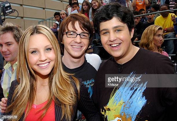 Amanda Bynes with Drake Bell and Josh Peck