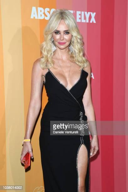 Amanda Caroline Cronin walks the red carpet ahead of amfAR Gala at La Permanente on September 22 2018 in Milan Italy