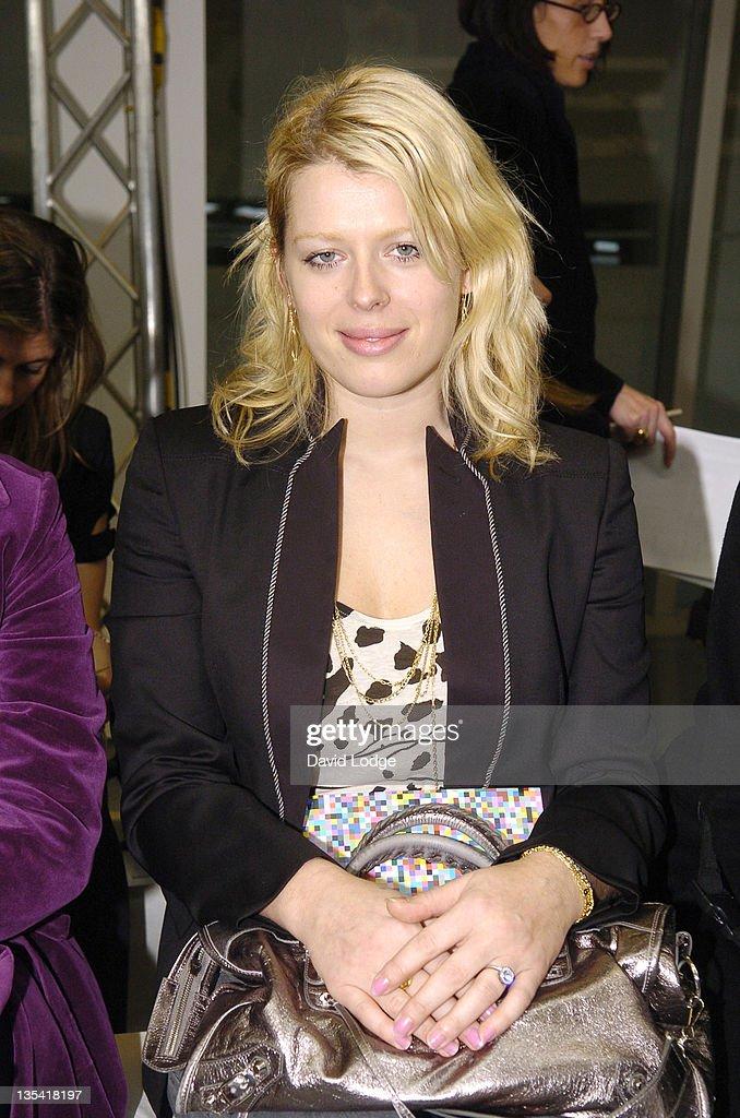 London Fashion Week Autumn/Winter 2006 - Giles - Front Row