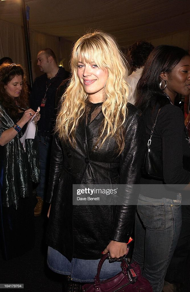 Amanda De Cadenet, Nme Carling Awards 2002, In Shoreditch, London