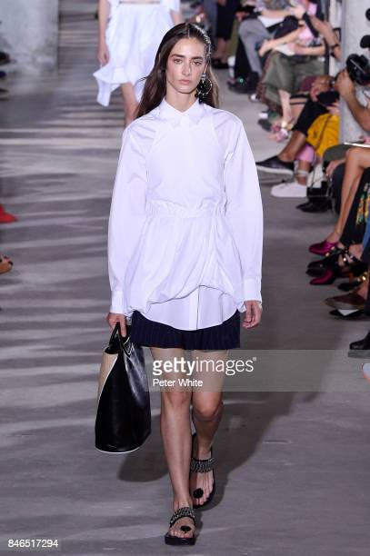 Amanda Googe walks the runway at the 31 Phillip Lim Ready to Wear Spring/Summer 2018 fashion show during New York Fashion Week on September 11 2017...