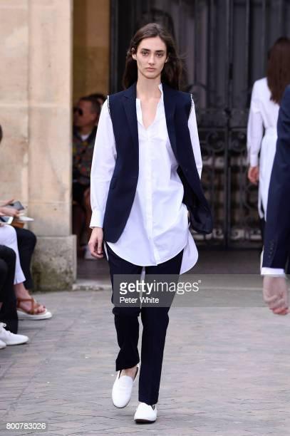 Amanda Googe walks the runway during the Officine Generale Menswear Spring/Summer 2018 show as part of Paris Fashion Week on June 25 2017 in Paris...