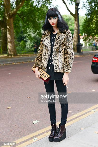 Amanda Hendrick model, wearing Underground shoes, J brand jeans, Unif jacket, Vivienne wesywood bag and a Day Trooper t shirt on day 3 of London...
