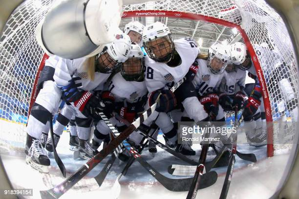 Amanda Kessel Bilder und Fotos | Getty Images