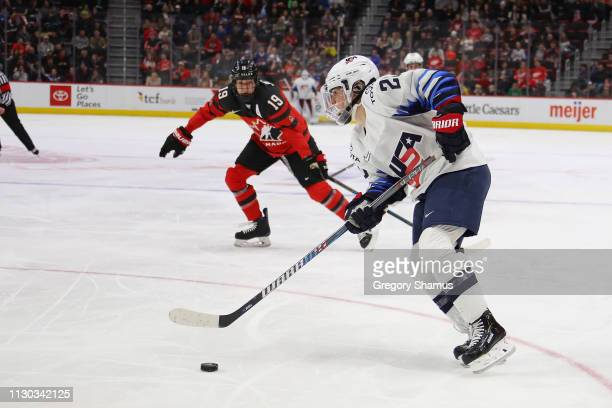 Amanda Kessel of the United States looks to take a shot in front of Brianne Jenner of Canada during the first period at Little Caesars Arena on...