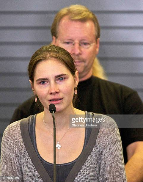 Amanda Knox addresses the media during a press conference on October 4, 2011 in Seattle, Washington. American student Amanda Knox arrived back in...