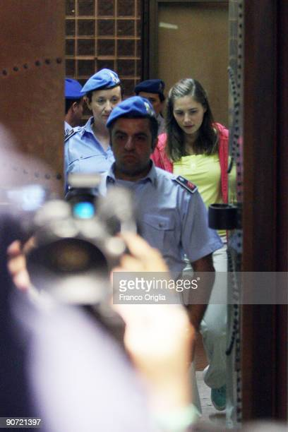 Amanda Knox arrives at the sitting of the Meredith Kercher murder trial at the Perugia courthouse on September 14 2009 in Perugia Italy Amanda Knox...