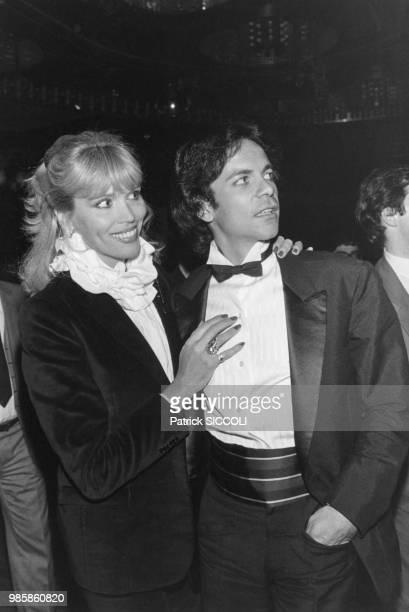Amanda Lear et son mari Alain-Philippe Malagnac lors d'une soirée au Club 78 le 21 octobre 1980 à Paris, France.