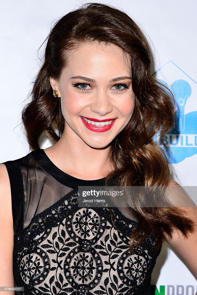 Amanda Leighton arrives at the Dream Builders Project's 'A Brighter Future For Children' benefit at H.O.M.E. on March 15, 2014 in Beverly Hills, California.