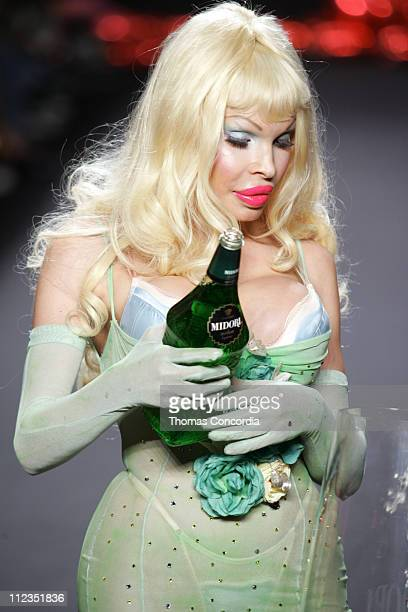 Amanda Lepore and models wearing Heatherette Spring 2006