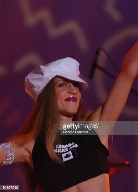 Amanda Marshall performing at Juno Awards
