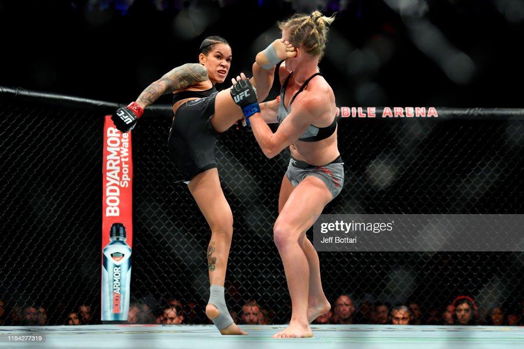 UFC 239: Nunes v Holm : ニュース写真
