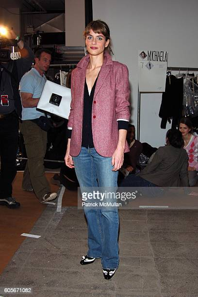 Amanda Peet attends Thakoon Fall 2006 Fashion Show at Exit Art on February 7 2006 in New York