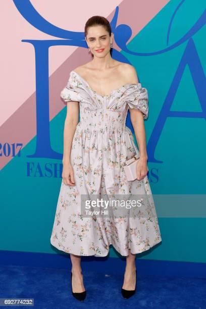 Amanda Peet attends the 2017 CFDA Fashion Awards at Hammerstein Ballroom on June 5 2017 in New York City