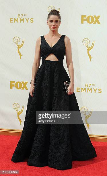 Amanda Peet attends the 67th Annual Primetime Emmy Awards on September 20 2015 in Los Angeles California