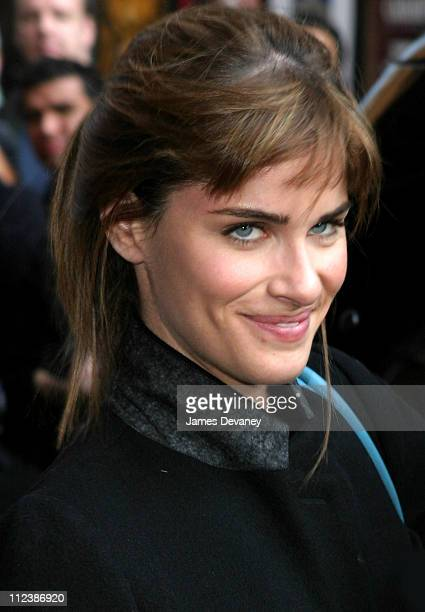 Amanda Peet during Halle Berry Don Rickles Bernie Mac and Amanda Peet Visit the 'Late Show with David Letterman' May 1 2003 at Ed Sullivan Theatre in...
