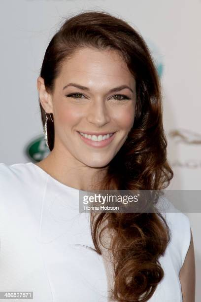 Amanda Righetti attends the LA Modernism show sale opening night party to benefit PS ARTS at 3LABS on April 25 2014 in Culver City California