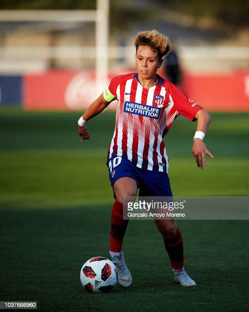 Amanda Sampedro of Atletico de Madrid controls the ball during the UEFA Women Champions League Round of 32 first leg between Atletico de Madrid and...