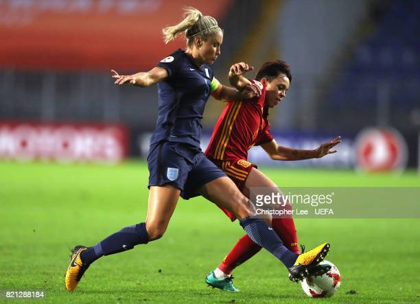 Amanda Sampedro of Spain battles with Steph Houghton of England during the UEFA Women's Euro 2017 Group D match between England and Spain at Rat...