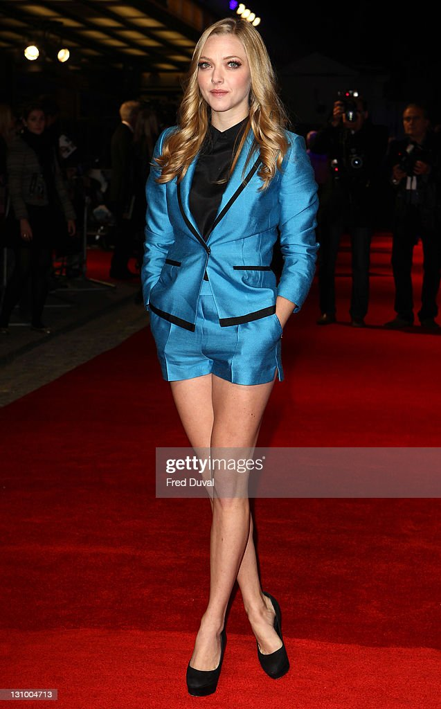 Amanda Seyfried arrives at the UK premiere of 'In Time' at The Curzon Mayfair on October 31, 2011 in London, England.