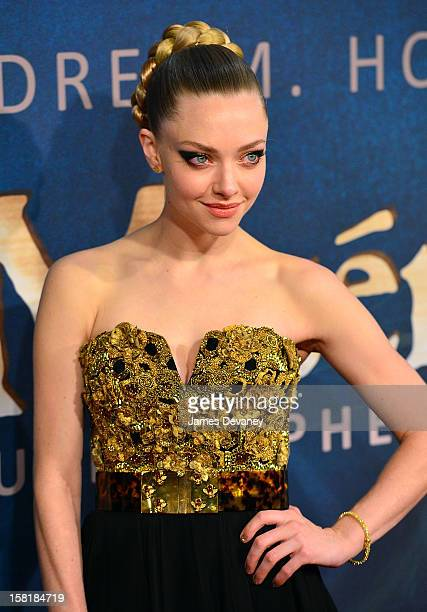 Amanda Seyfried attends 'Les Miserables' New York premiere at Ziegfeld Theatre on December 10 2012 in New York City