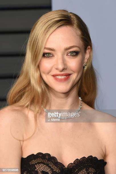 Amanda Seyfried attends the 2018 Vanity Fair Oscar Party hosted by Radhika Jones at the Wallis Annenberg Center for the Performing Arts on March 4...