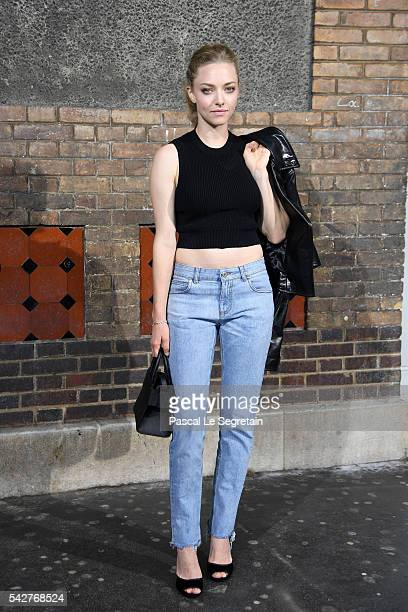 Amanda Seyfried attends the Givenchy Menswear Spring/Summer 2017 show as part of Paris Fashion Week on June 24 2016 in Paris France
