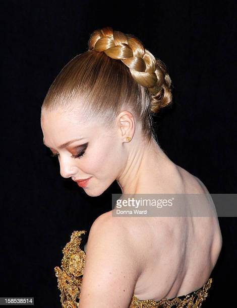 Amanda Seyfried attends the world premiere of 'Les Miserables' at Ziegfeld Theatre on December 10 2012 in New York City