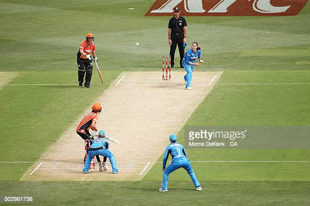 Amanda Wellington of the Adelaide Strikers bowls during the Women's Big Bash League match between the Adelaide Strikers and the Perth Scorchers at...