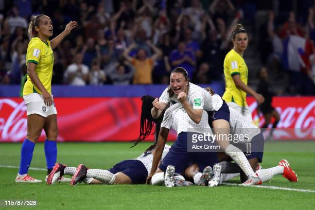 Amandine Henry of France celebrates her team's second goal with team mates during the 2019 FIFA Women's World Cup France Round Of 16 match between...