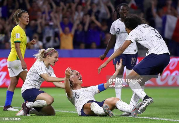 Amandine Henry of France celebrates with teammates after scoring her team's second goal during the 2019 FIFA Women's World Cup France Round Of 16...