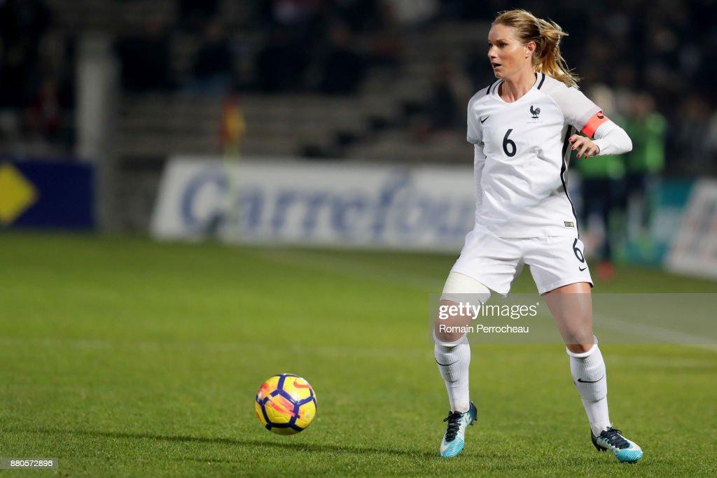 France v Sweden - Women's International Friendly : Photo d'actualité
