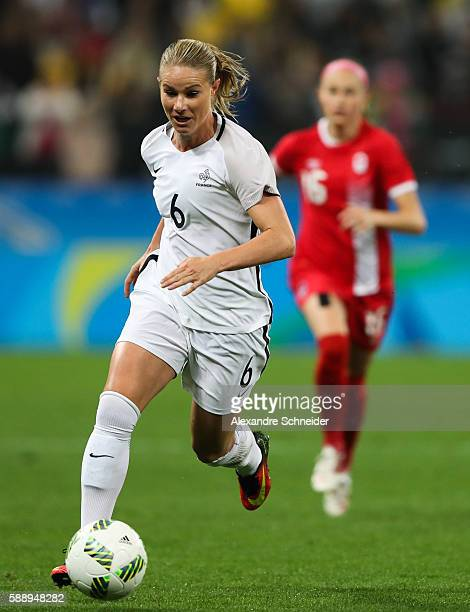 Amandine Henry of France in action during the match between Canada and France womens football quarter final for the Olympic Games Rio 2016 at Arena...