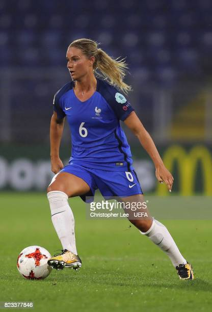 Amandine Henry of France in action during the UEFA Women's Euro 2017 Group C match between Switzerland and France at Rat Verlegh Stadion on July 26...