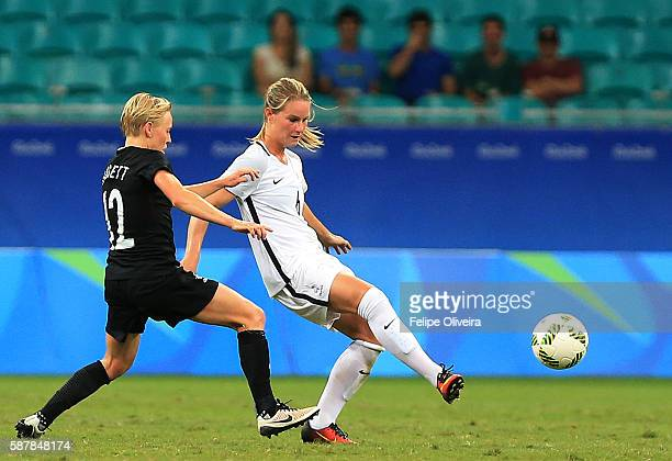 Amandine Henry of France runs with the ball during match between New Zaland and France at Arena Fonte Nova on August 9 2016 in Salvador Brazil