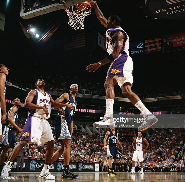 Amare Stoudemire of the Phoenix Suns dunks during a game against the Memphis Grizzlies at US Airways Center on March 26 2007 in Phoenix Arizona The...