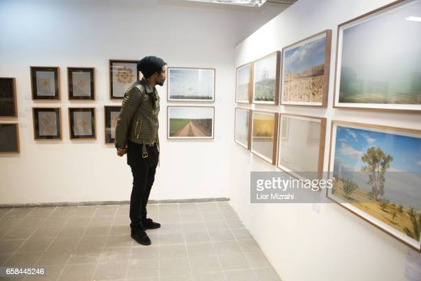 Amar'e Stoudemire seen walking at the opening of Israeli contemporary art fair 'Fresh Paint' on March 27 2017 in Tel Aviv Israel Stoudemire is a...