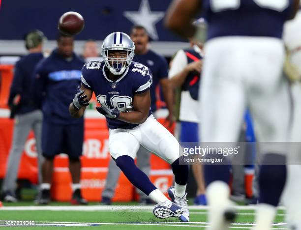 Amari Cooper of the Dallas Cowboys makes a catch in the opening drive against the Tennessee Titans in the first quarter at ATT Stadium on November 5...