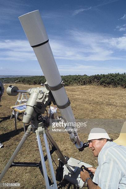 Amateur astronomers ready to see the eclipse in France on August 08, 1999.