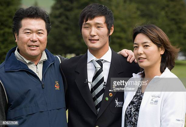 Amateur golfer Danny Lee of New Zealand with his parents Sam Lee and Sujan Seo after his New Zealand Citizenship Ceremony at the Springfield Golf...