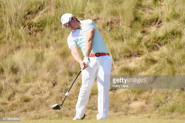 Amateur Sam Horsfield of England hits his tee shot on the sixth hole during the second round of the 115th US Open Championship at Chambers Bay on...