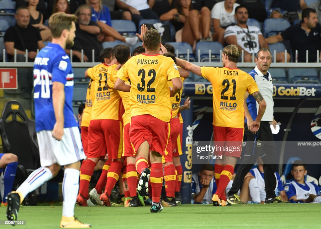 Amato Ciciretti of Benevento celebrates with team mates after scoring during the Serie A match between UC Sampdoria and Benevento Calcio at Stadio Luigi Ferraris on August 20, 2017 in Genoa, Italy.