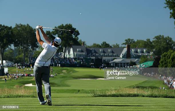 Amatuer Sam Horsfield of the United States hits his tee shot on the 18th hole during the continuation of the second round of the US Open at Oakmont...
