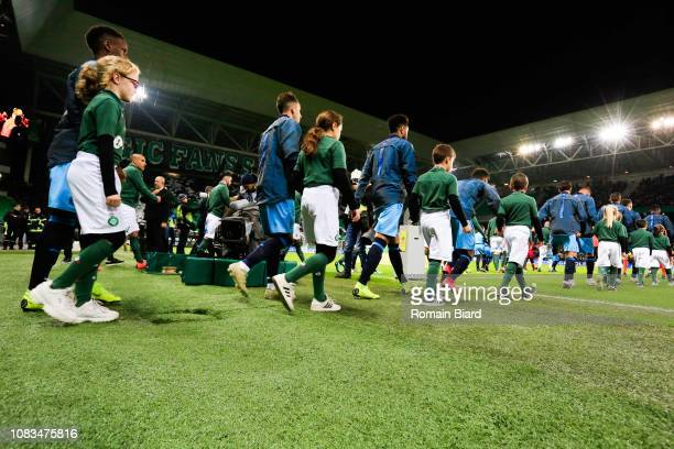 Amavi Jordan and Florian Thauvin of Marseille and Sarr Bouna of Marseille during the Ligue 1 match between Saint Etienne and Marseille at Stade...
